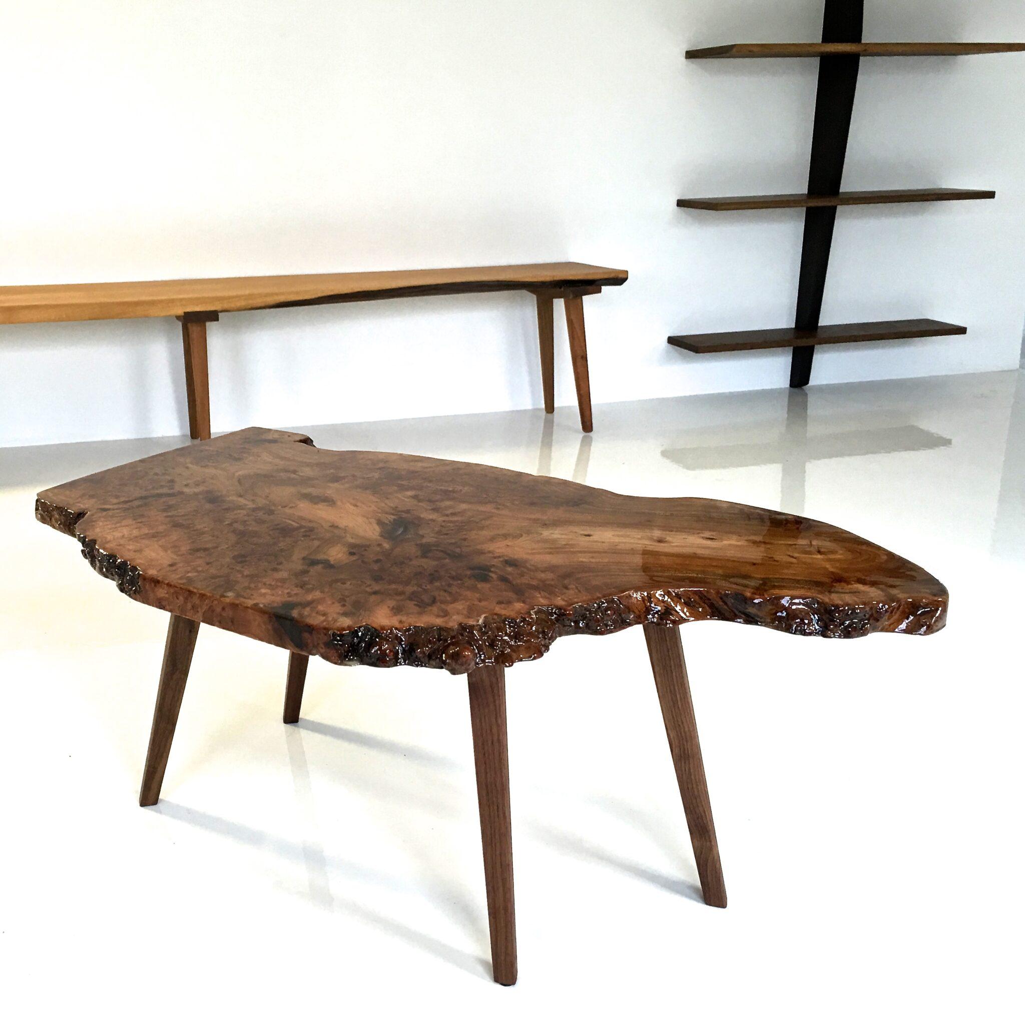 Sofabord af historisk Dansk elmetræ