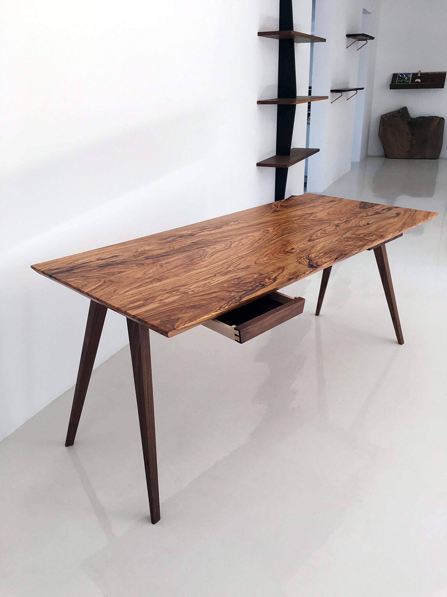 Toscana skrivebord i træ