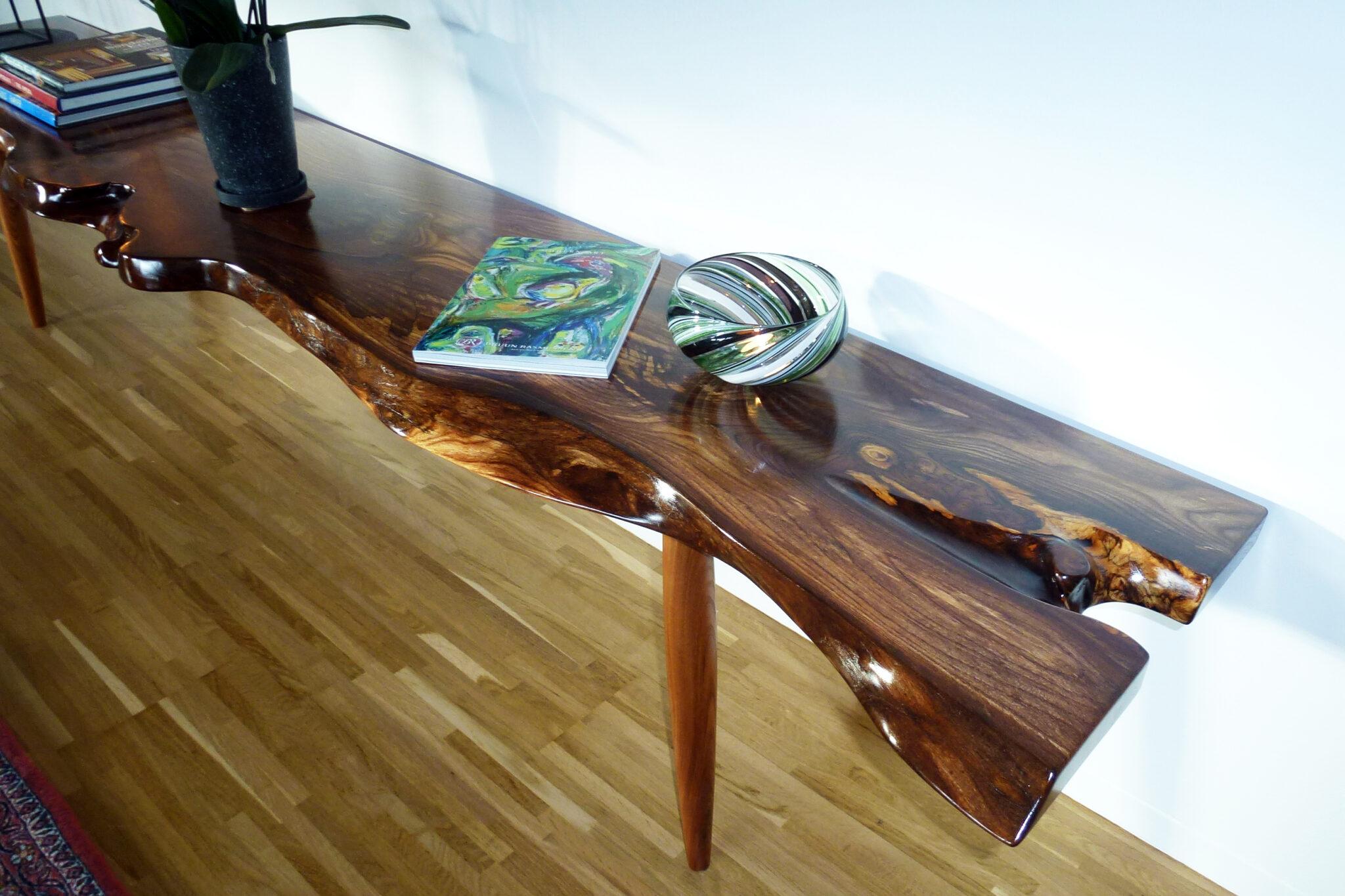 TV møbel i træ