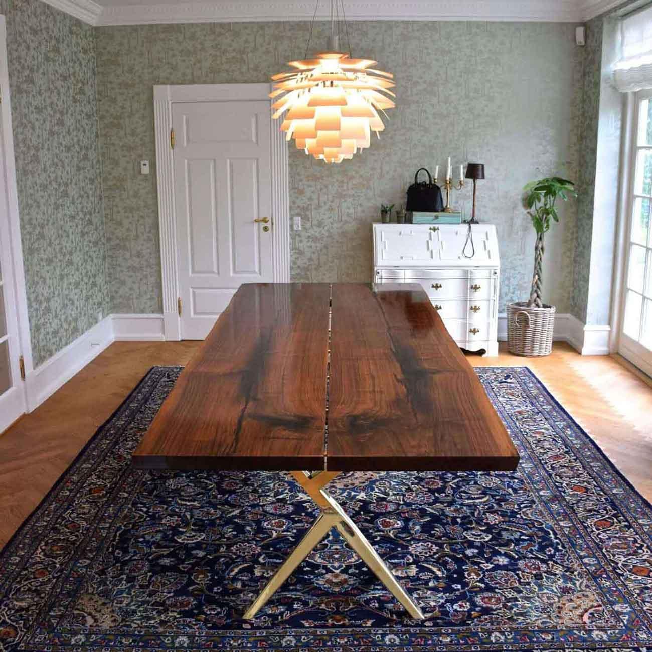Håndlavede møbler af eksklusive træsorter